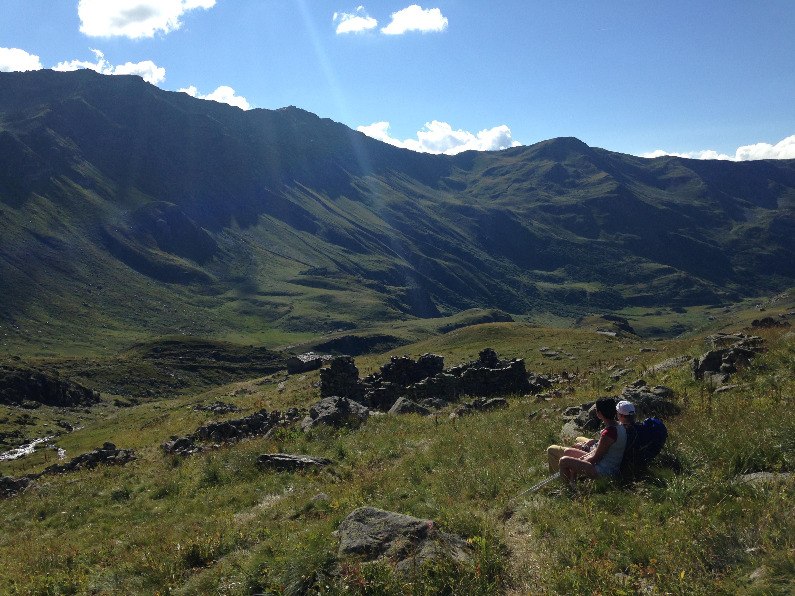 Enigmes au coeur des montagnes avec le refuge Terre Rouge et Le Lapin Blanc